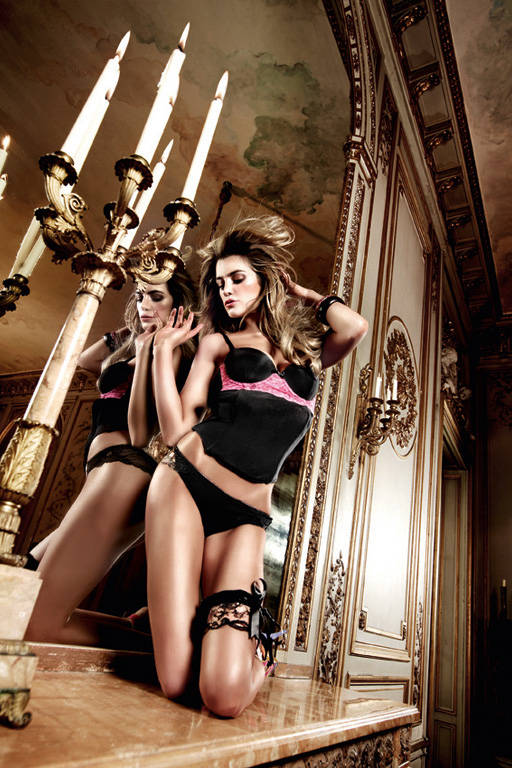 Have Fun Princess Бюстье черное с кружевными аппликациями пурпурного цвета; ML